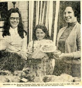 April & Michaela Mullis, Margaret Govier at Pumpkin Club mini fête 1974