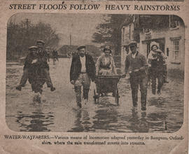 Floods outside the Elephant & Castle May 16th 1932