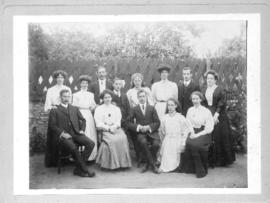 Os Williams' family in the 1890s